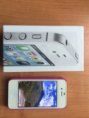 Продаю Apple iPhone 4S 16Gb белый