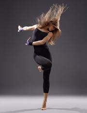 Приглашаем детей в школу современного танца