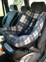 Продам детское автомобильное кресло Renolux